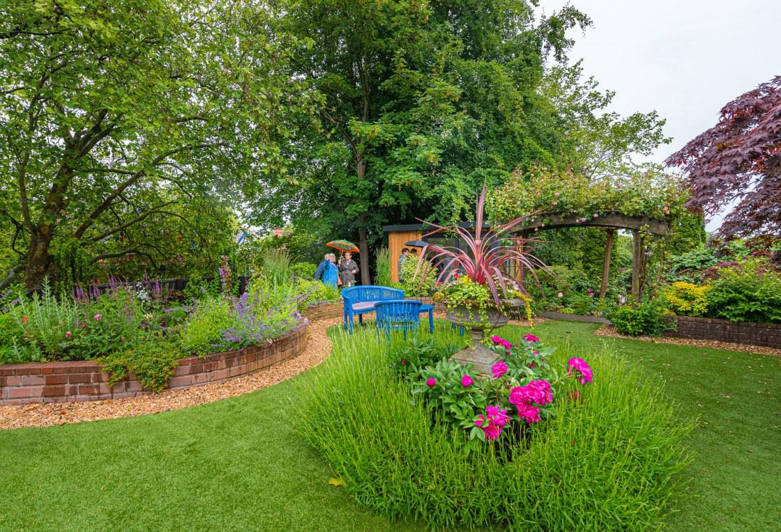 Exploring the Park Gardens , 2019